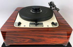 SkyFi Audio Custom + Vintage Turntables